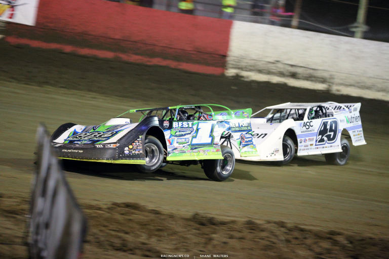 Tyler Erb and Jonathan Davenport at East Bay Raceway Park 7221