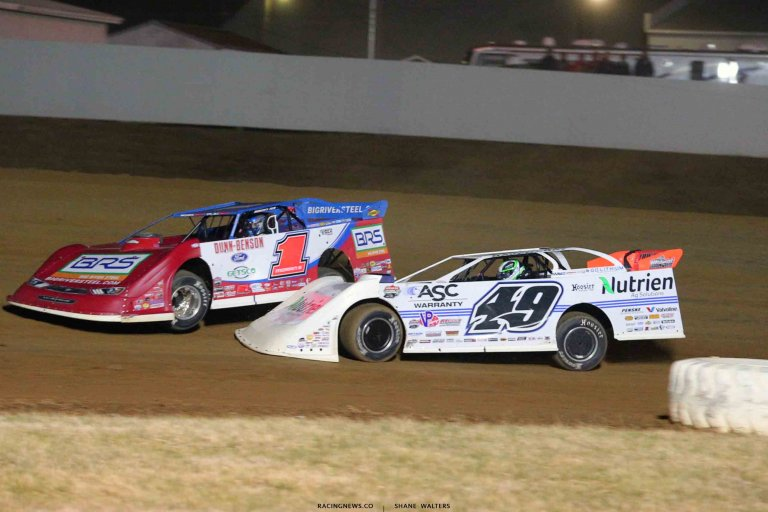 Devin Moran and Jonathan Davenport at Brownstown Speedway 0914