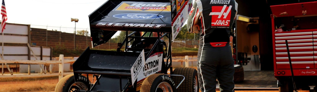 Dirt Racing on NETFLIX: F1 driver pilots Tony Stewart's dirt sprint car