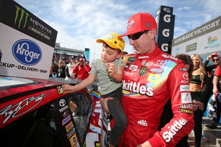 Kyle Busch completes weekend sweep in Arizona desert