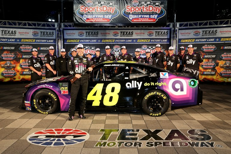 Jimmie Johnson takes the pole at Texas Motor Speedway