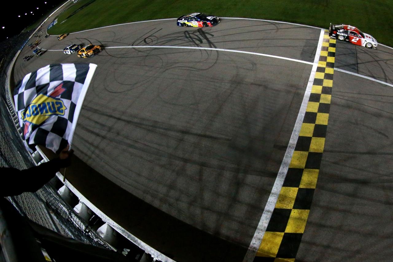 Brad Keselowski wins at Kansas Speedway