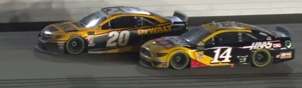 Clint Bowyer vs Erik Jones at Kansas Speedway (Video)