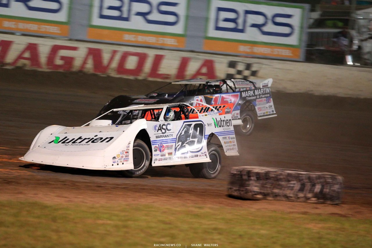 Jonathan Davenport and Mike Marlar at Magnolia Motor Speedway - Lucas Oil Late Model Dirt Series 4456