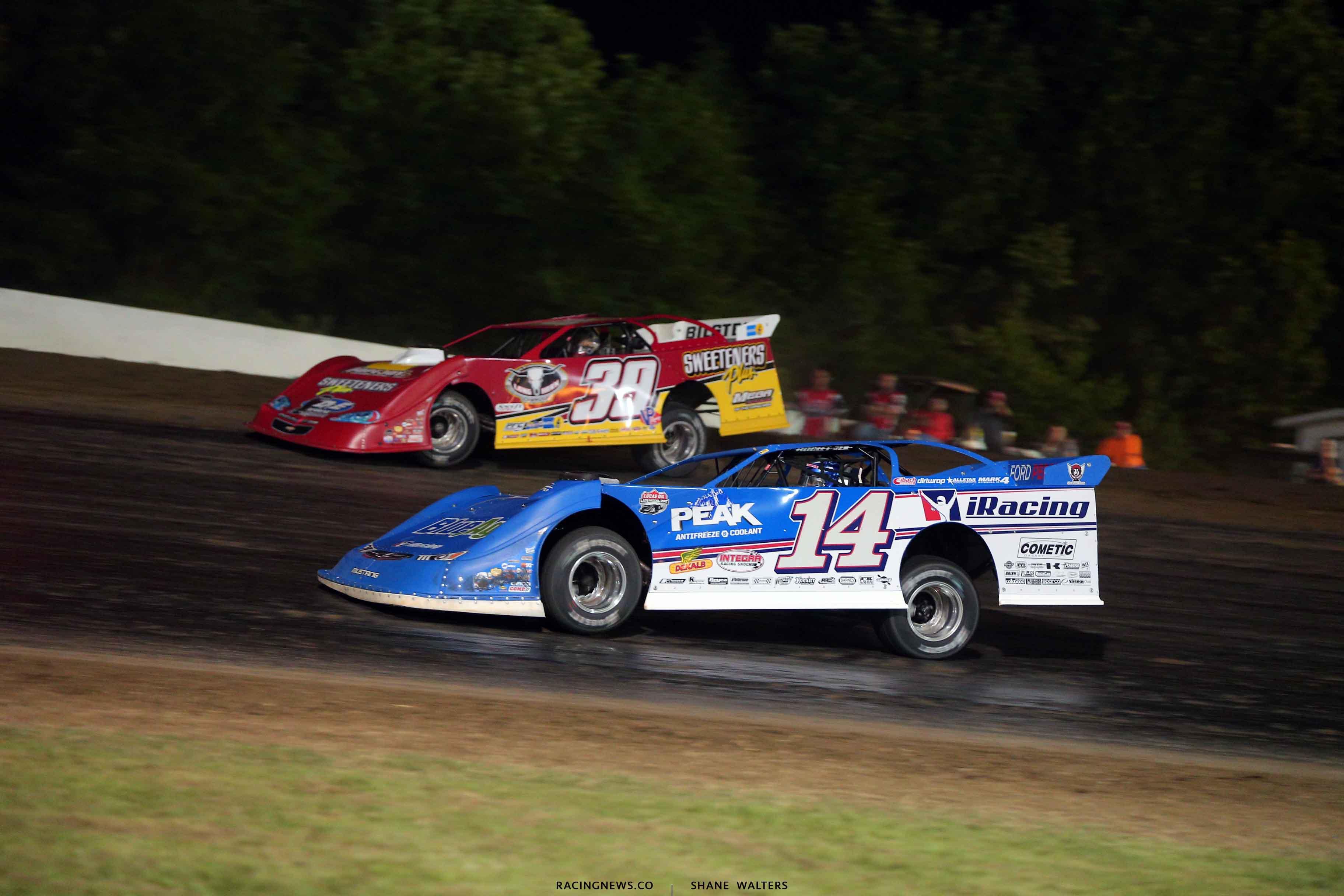 Josh Richards and Tim McCreadie at Magnolia Motor Speedway - Lucas Oil Late Models