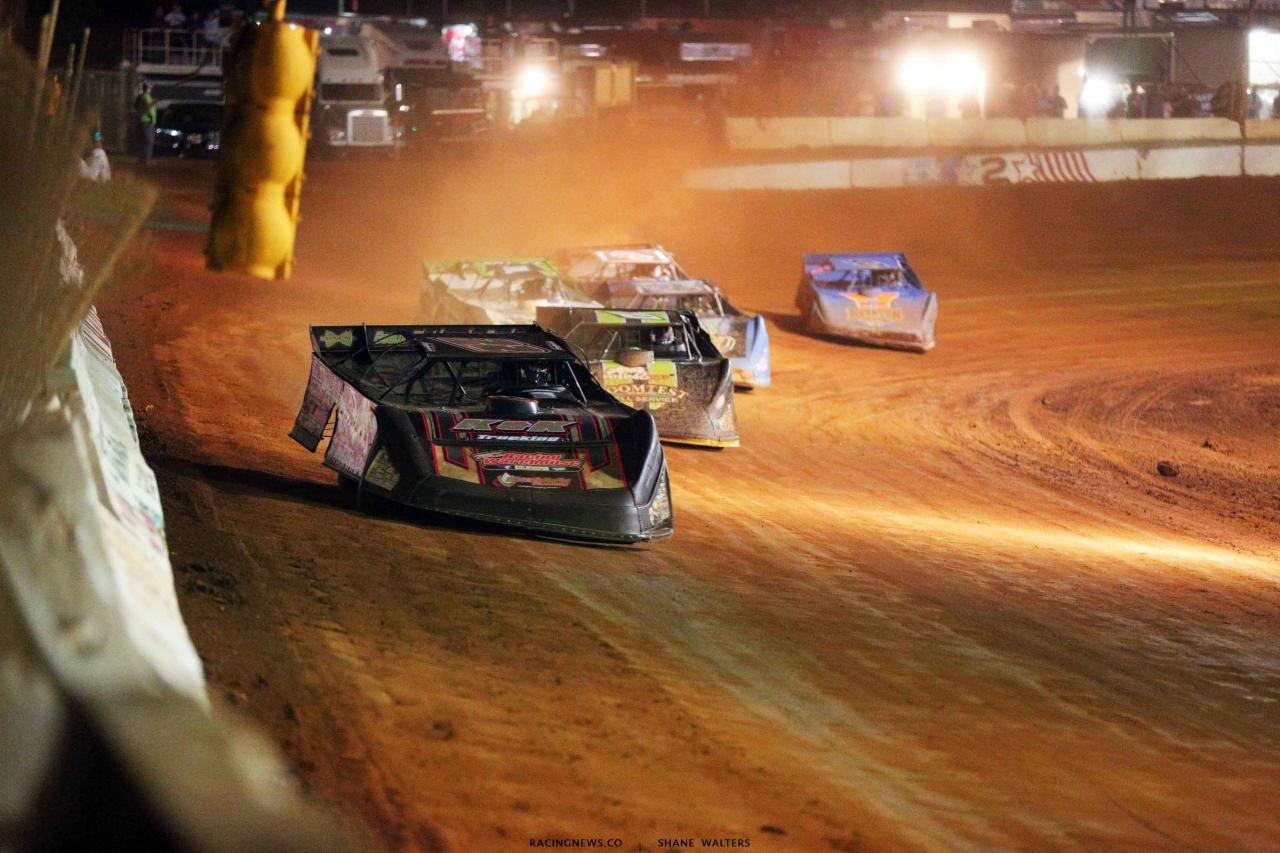 Chris Ferguson leads at Cherokee Speedway 5633