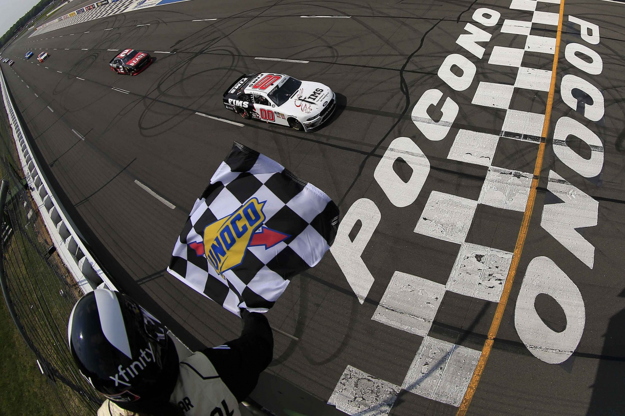 Cole Custer beats Tyler Reddick at Pocono Raceway - NASCAR Xfinity Series