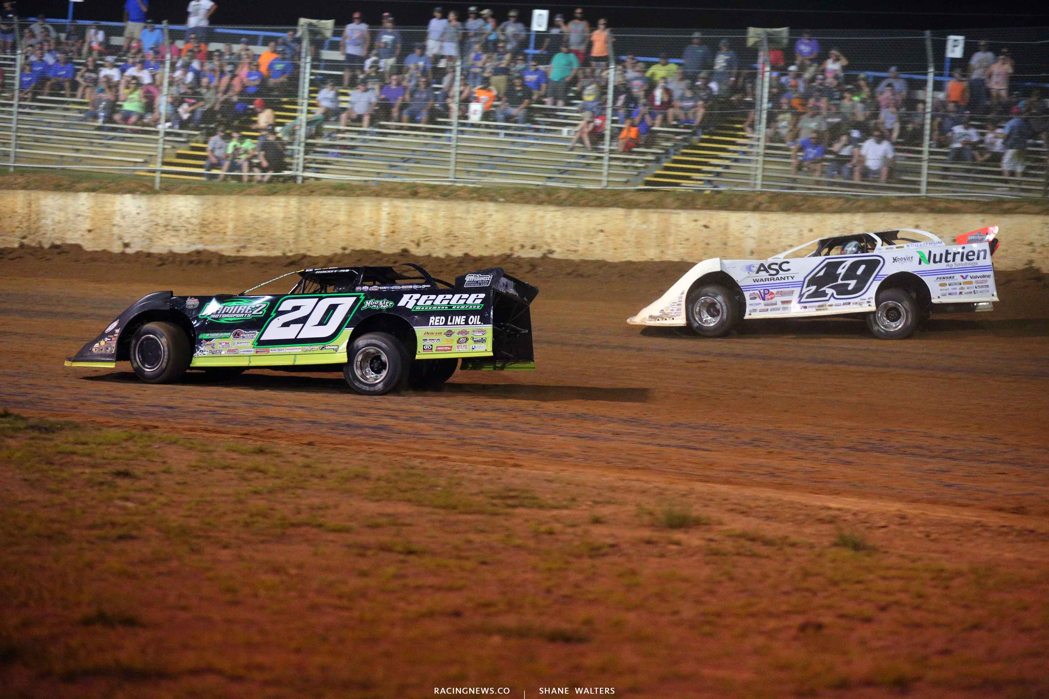 Jimmy Owens and Jonathan Davenport at Florence Speedway - Lucas Oil Late Models 7095