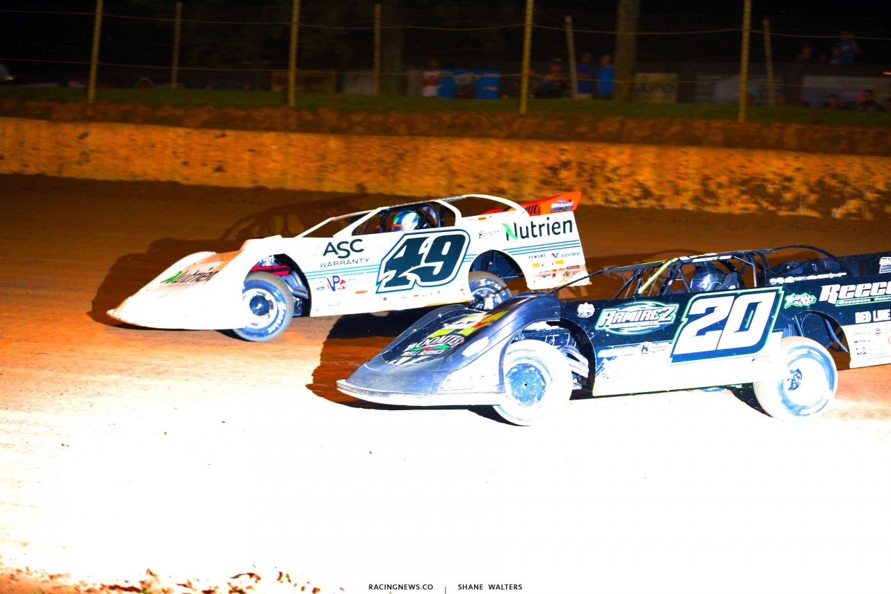 Jonathan Davenport and Jimmy Owens at Florence Speedway - LOLMDS 7062