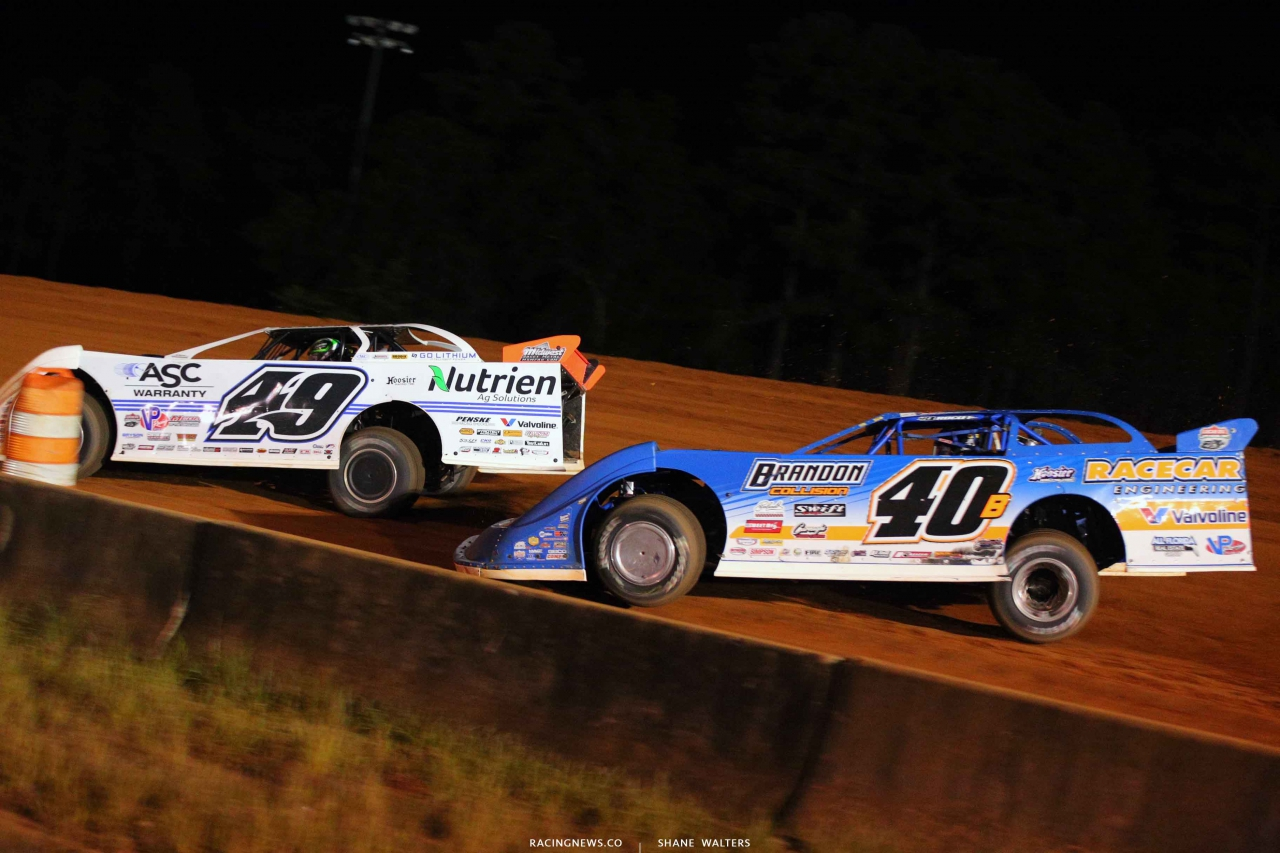 Jonathan Davenport and Kyle Bronson at Fayetteville Motor Speedway 5225