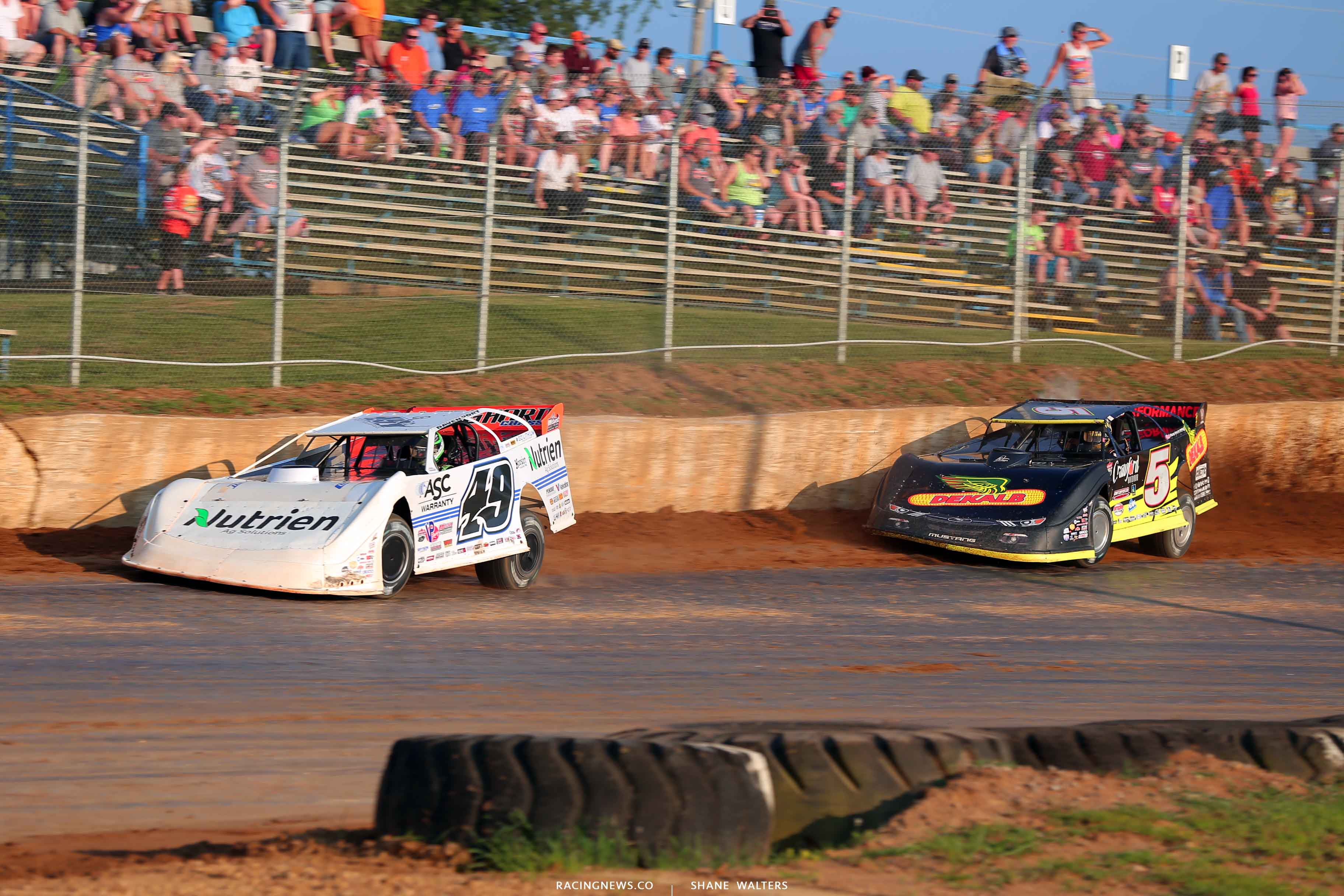 Jonathan Davenport and Michael Norris at Florence Speedway - Dirt Late Models 6972