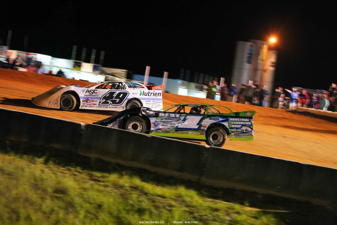 Jonathan Davenport and Tyler Erb at Fayetteville Motor Speedway 5203
