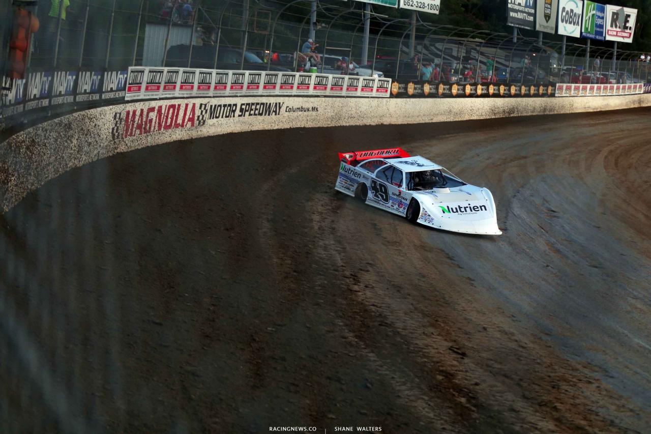 Jonathan Davenport at Magnolia Motor Speedway 4585