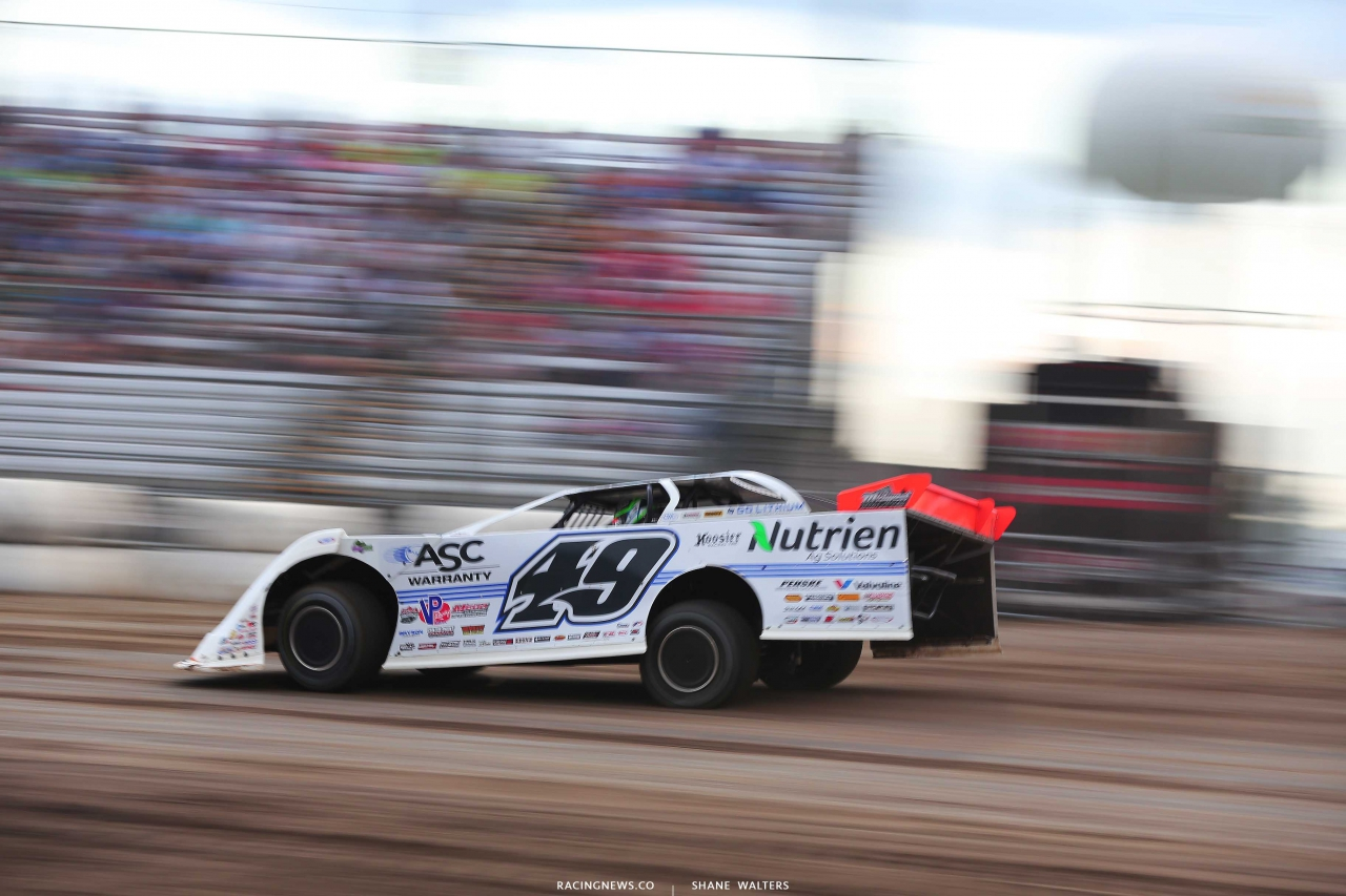 Jonathan Davenport at Brown County Speedway - Lucas Oil Dirt Series 1047