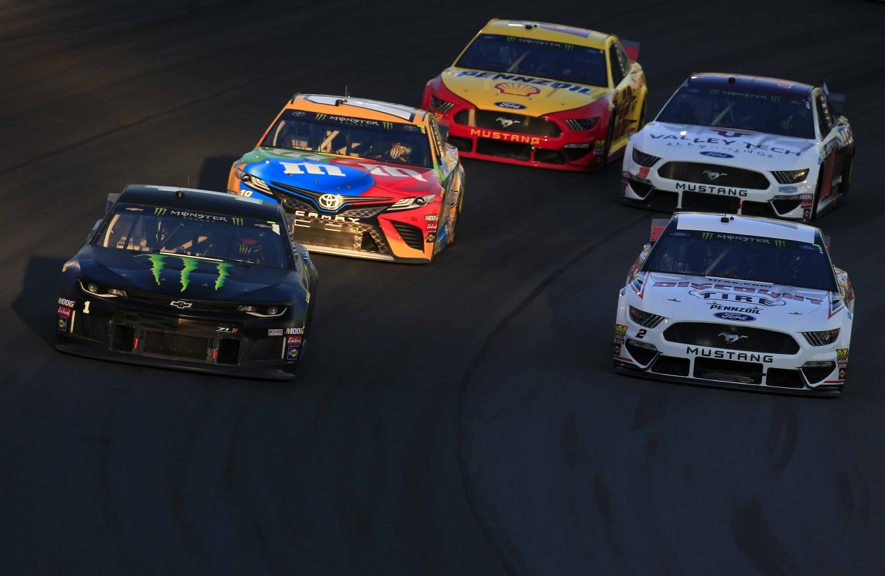Kurt Busch, Kyle Busch, Brad Keselowski, Joey Logano and Aric Almirola at Kentucky Speedway
