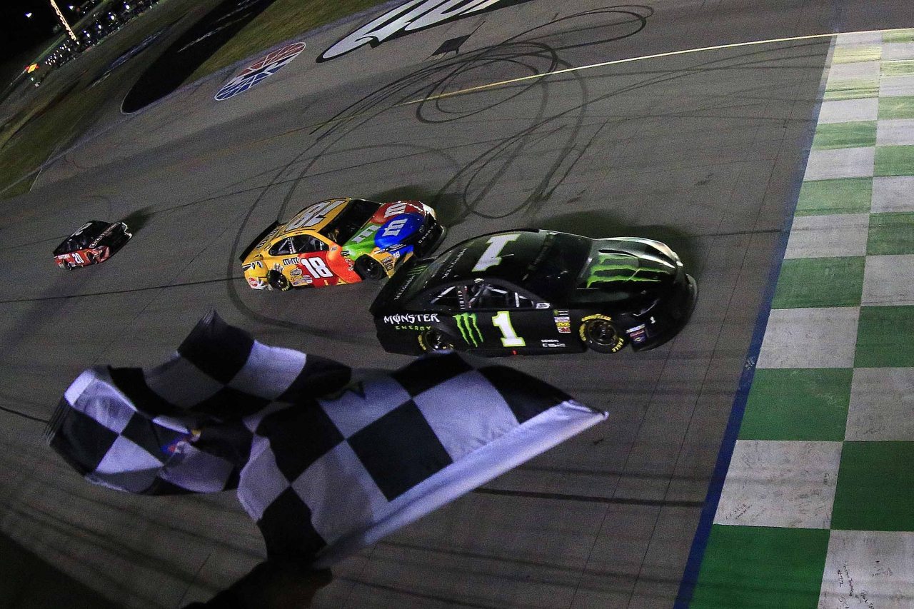 Kurt Busch and Kyle Busch at the finish line at Kentucky Speedway - NASCAR