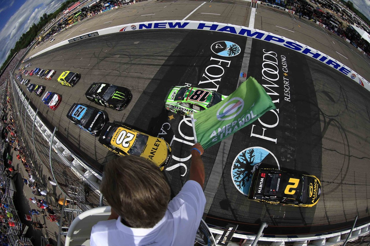 Kyle Busch and Erik Jones lead them to the green in the NASCAR race at New Hampshire Motor Speedway