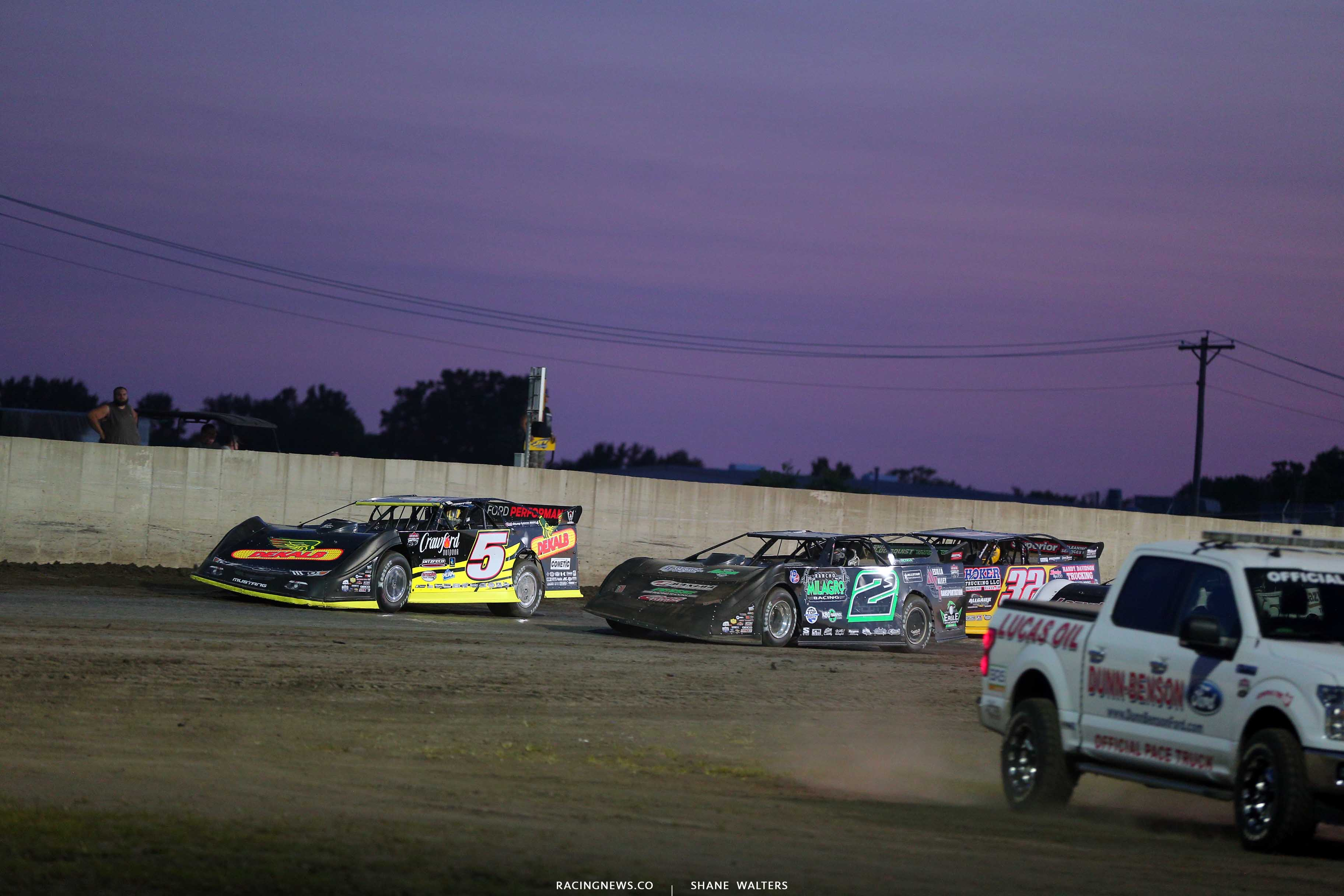 Michael Norris and Stormy Scott at Tri-City Speeday - Lucas Oil Dirt Series 9293