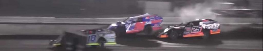 Mike McKinney vs Allen Weisser at Fairbury Speedway (Video)