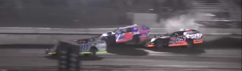 Mike McKinney vs Allen Weisser at Fairbury Speedway (Video)