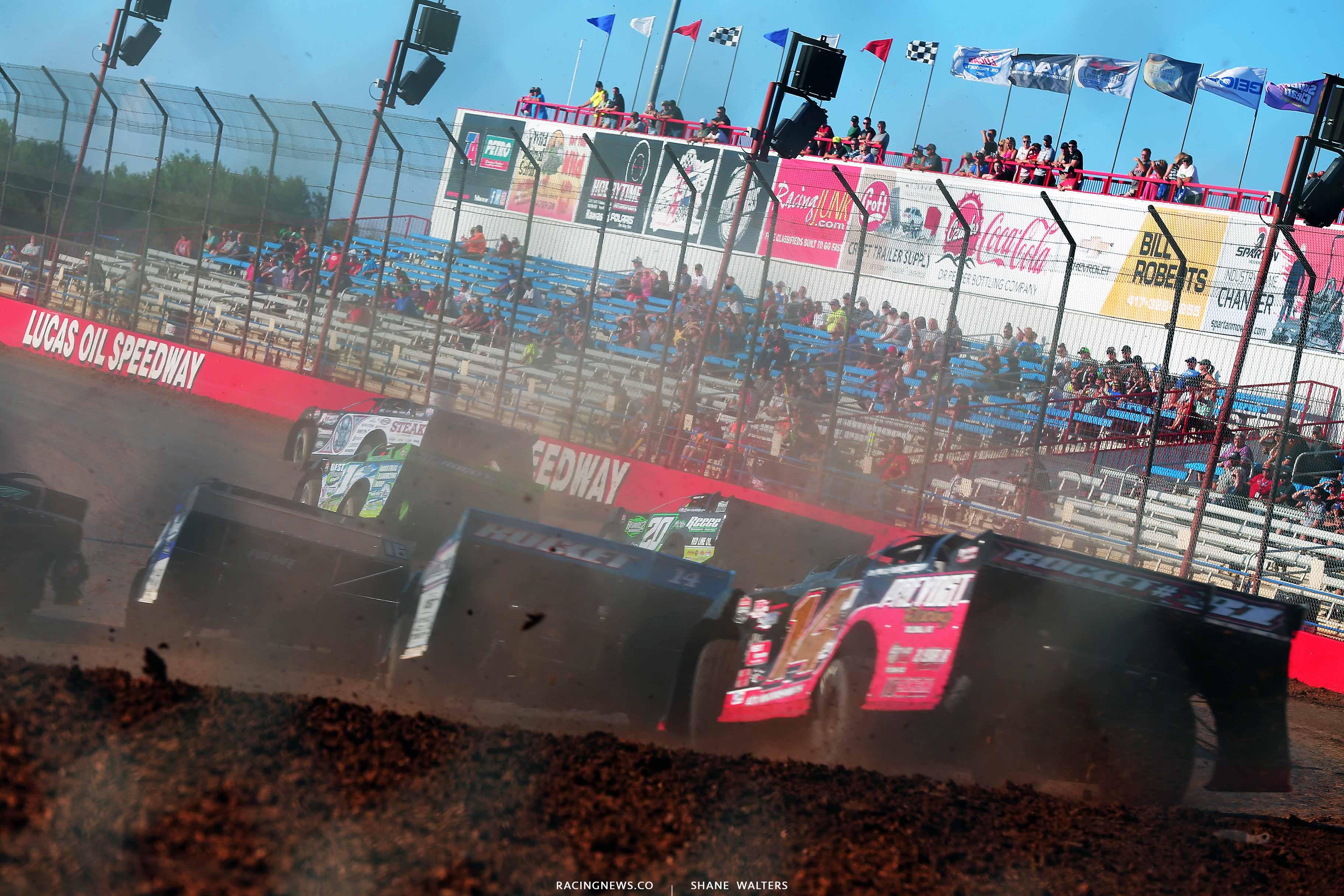 Scott Bloomquist, Tyler Erb and Jimmy Owens at Lucas Oil Speedway - Lucas Dirt 0432