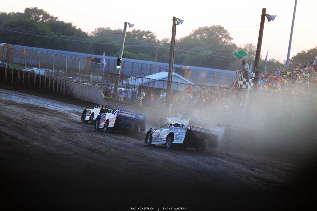 Shannon Babb leads Kyle Bronson at Tri-City Speedway in Pontoon Beach, Illinois - LOLMDS 9219