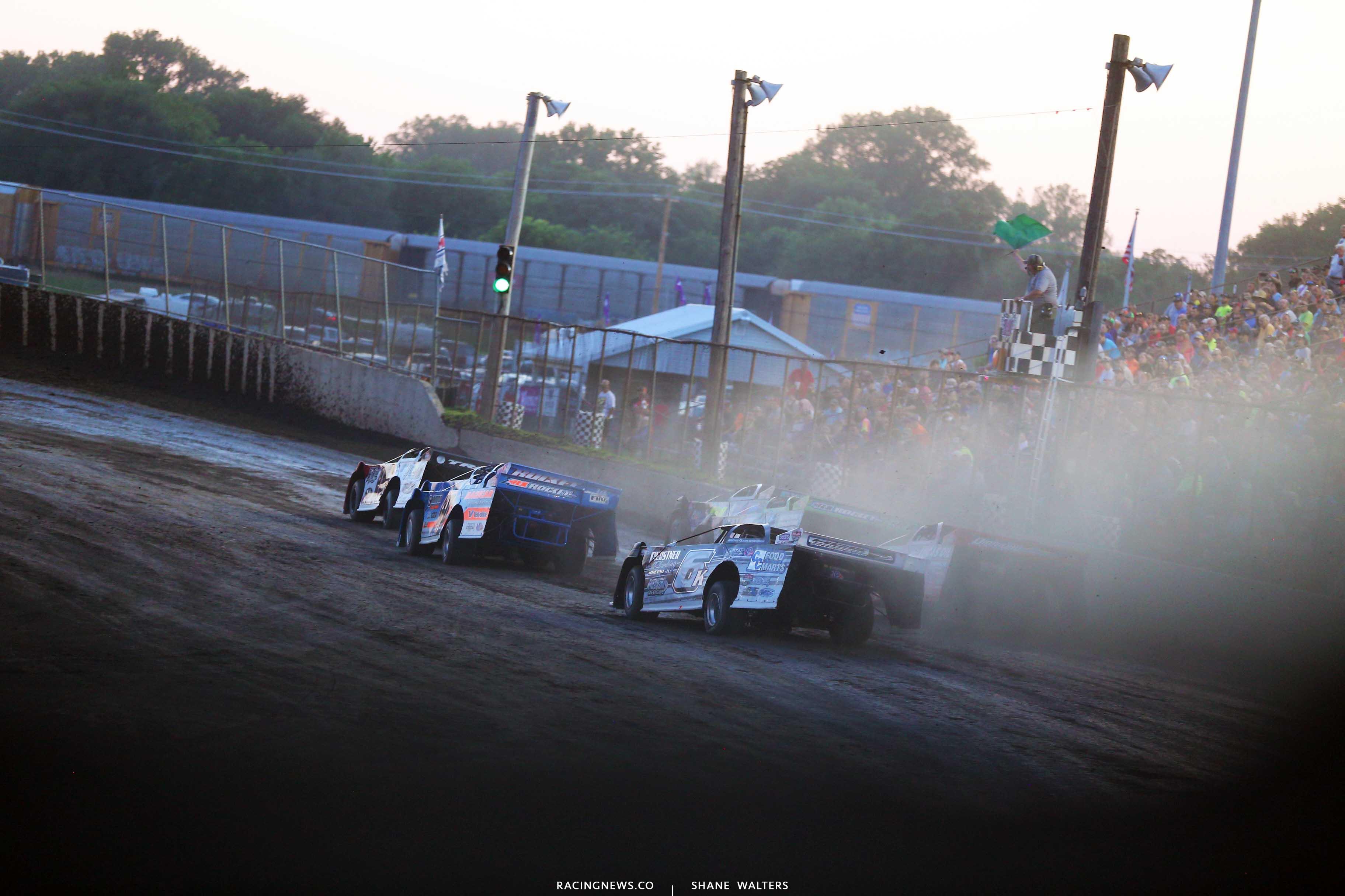Shannon Babb leads Kyle Bronson at Tri-City Speedway in Pontoon Beach, Illinois - LOLMDS 9219