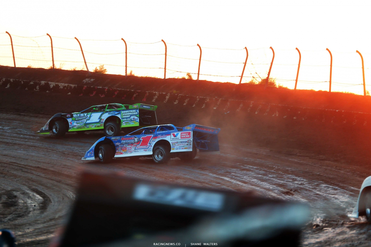 Tyler Erb and Brandon Sheppard at I-80 Speedway - Lucas Oil Late Model Dirt Series 2116