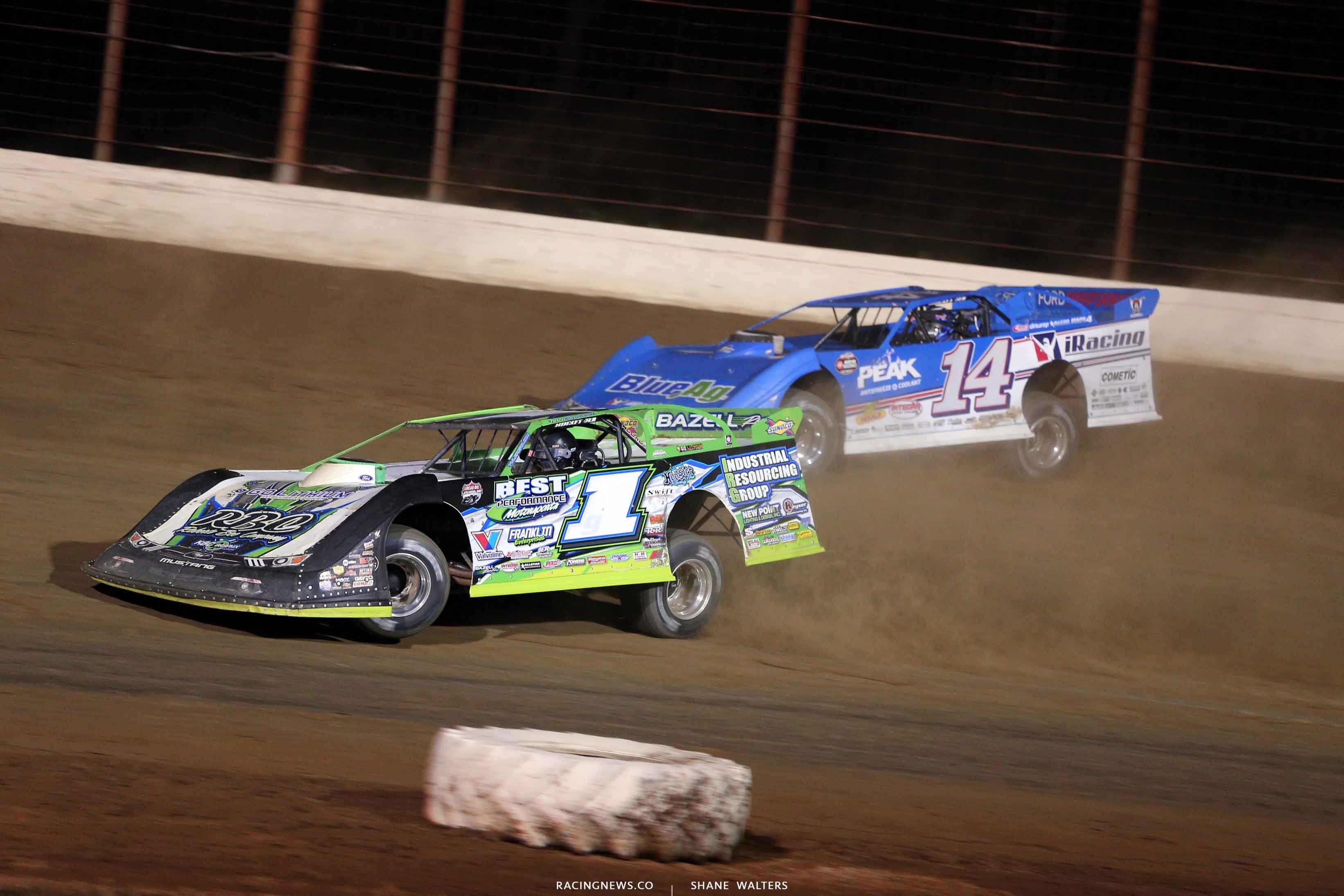 Tyler Erb and Josh Richards at Portsmouth Raceway Park - Lucas Oil Dirt Series 7534