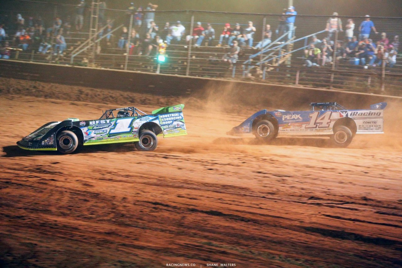 Tyler Erb and Josh Richards at Tyler County Speedway - Topless dirt late model race 8150