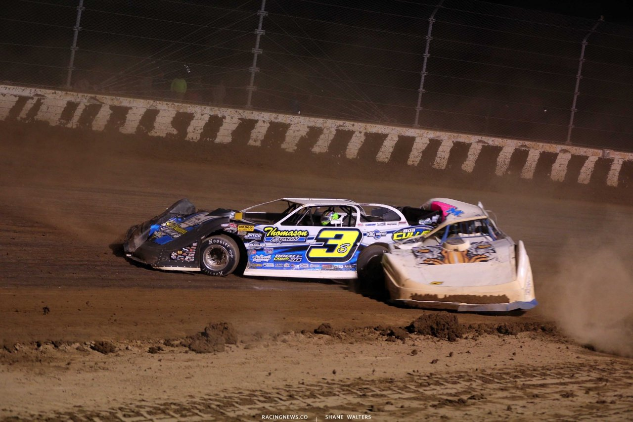 Brian Shirley and Mark Markham crash in the Dirt Million at Mansfield Motor Speedway 5595