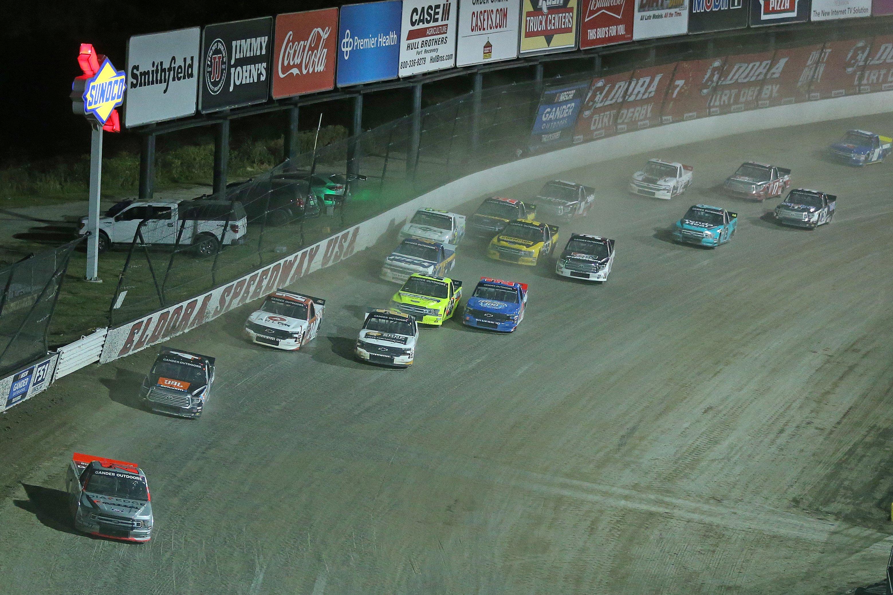 Chase Briscoe leads in the Eldora Dirt Derby - NASCAR Truck Series - Eldora Speedway