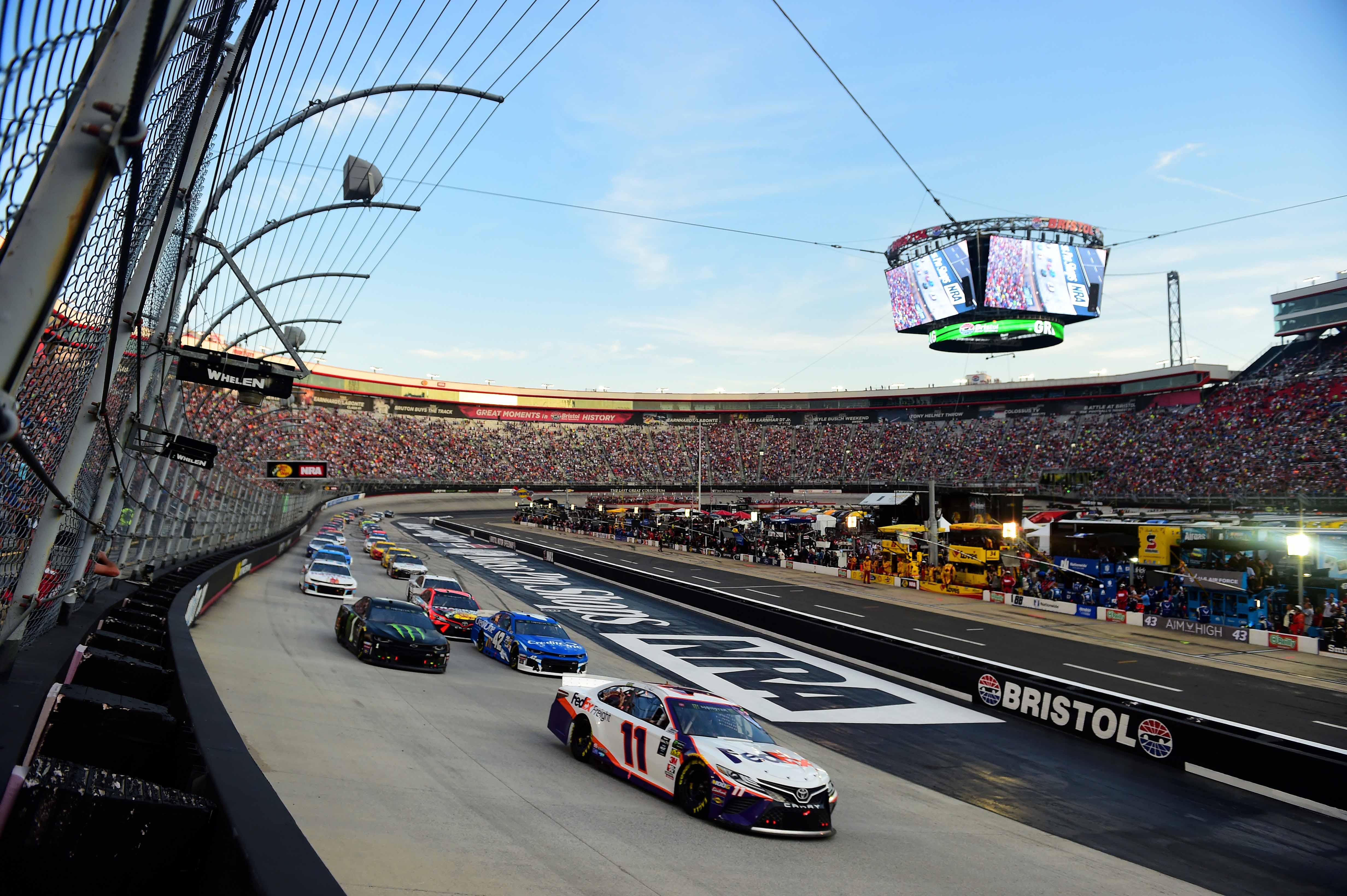 Denny Hamlin, Kurt Busch and Lyle Larson at Bristol Motor Speedway - NASCAR Cup Series