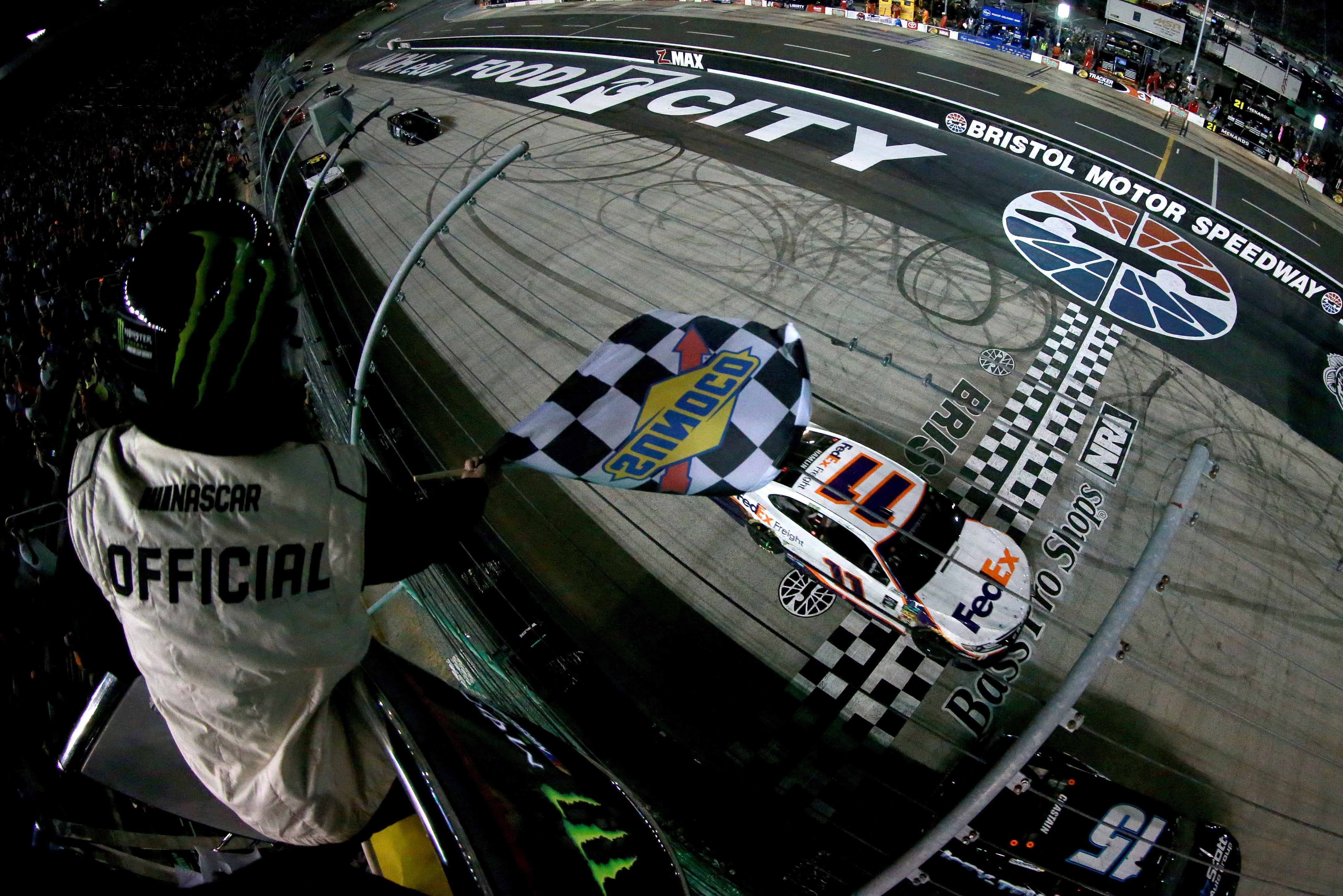 Denny Hamlins wins at Bristol Motor Speedway - NASCAR Cup Series