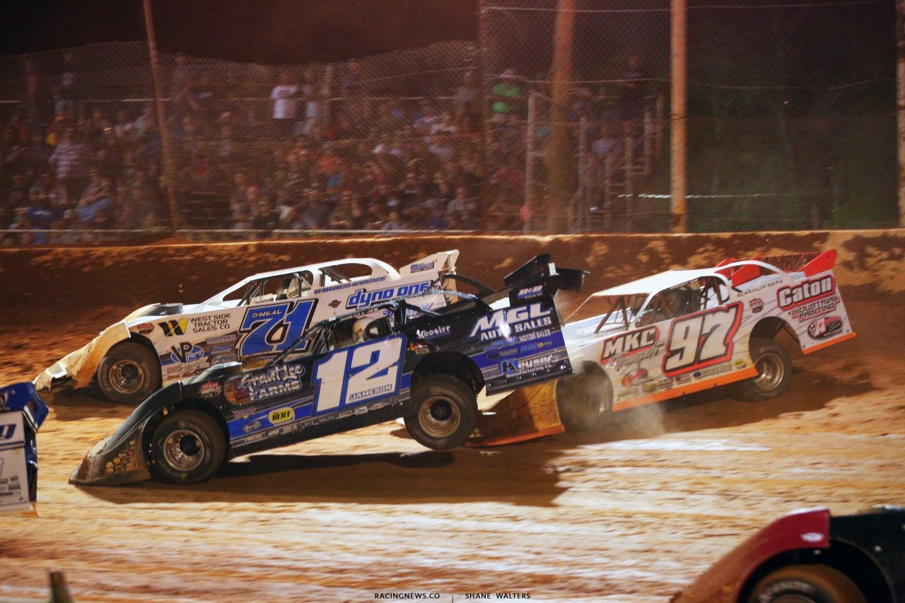 Hudson O'Neal, Jason Jameson and Michael Chilton crash at Ponderosa Speedway - Lucas Dirt 6050