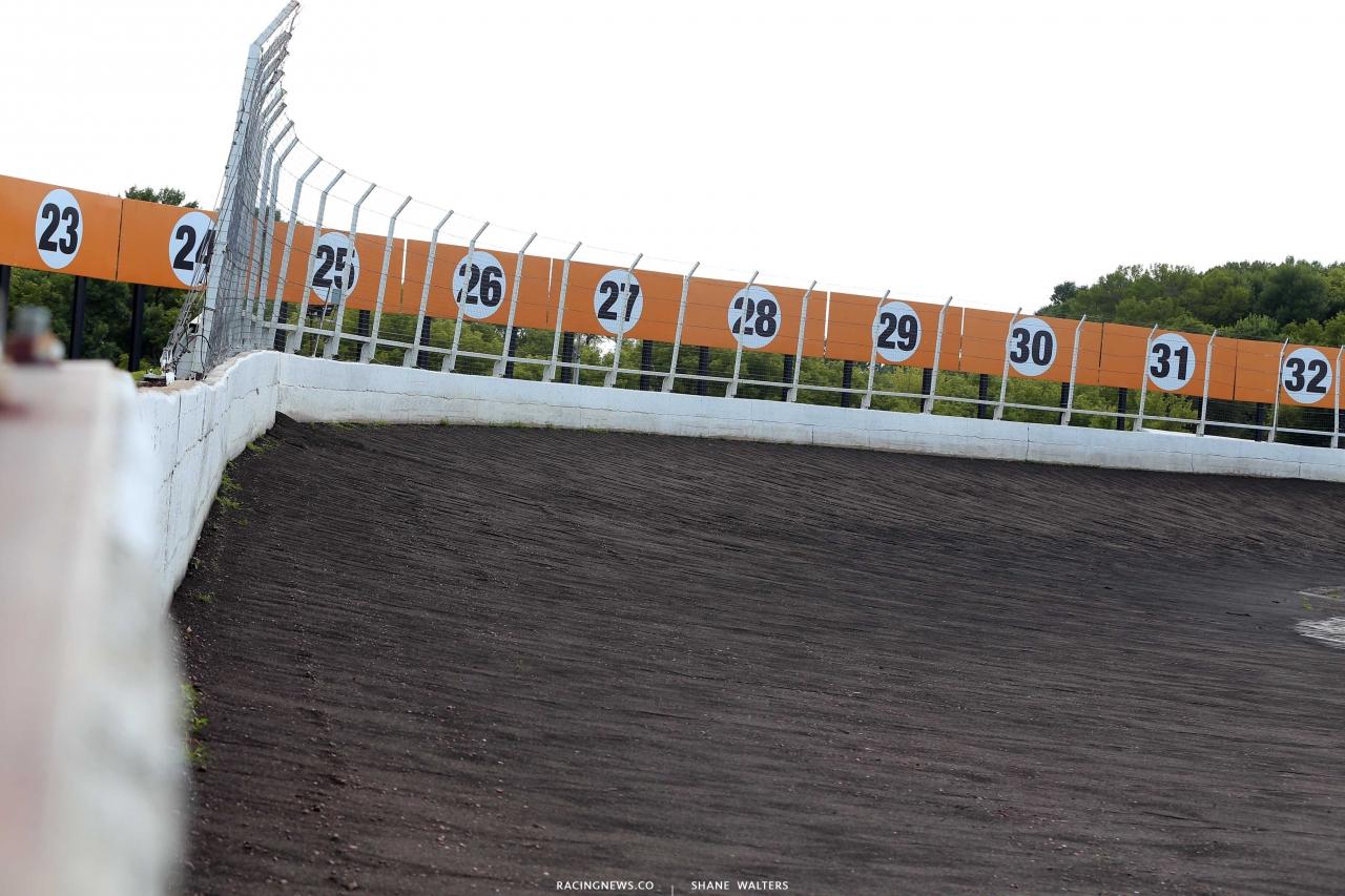 Huset's Speedway dirt track 1606