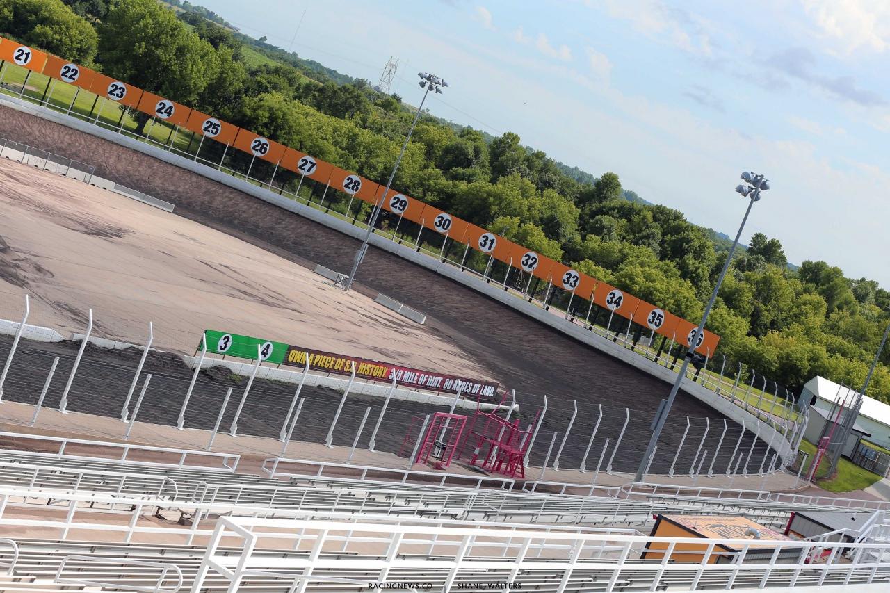Huset's Speedway race track 1685