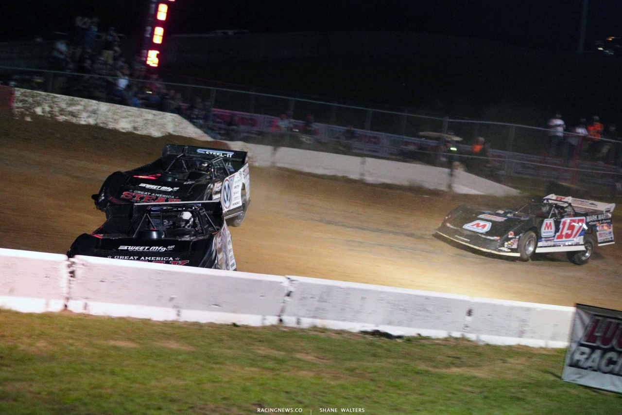 Scott Bloomquist and Chris Madden at Batesville Motor Speedway - Lucas Oil Dirt Series 4658