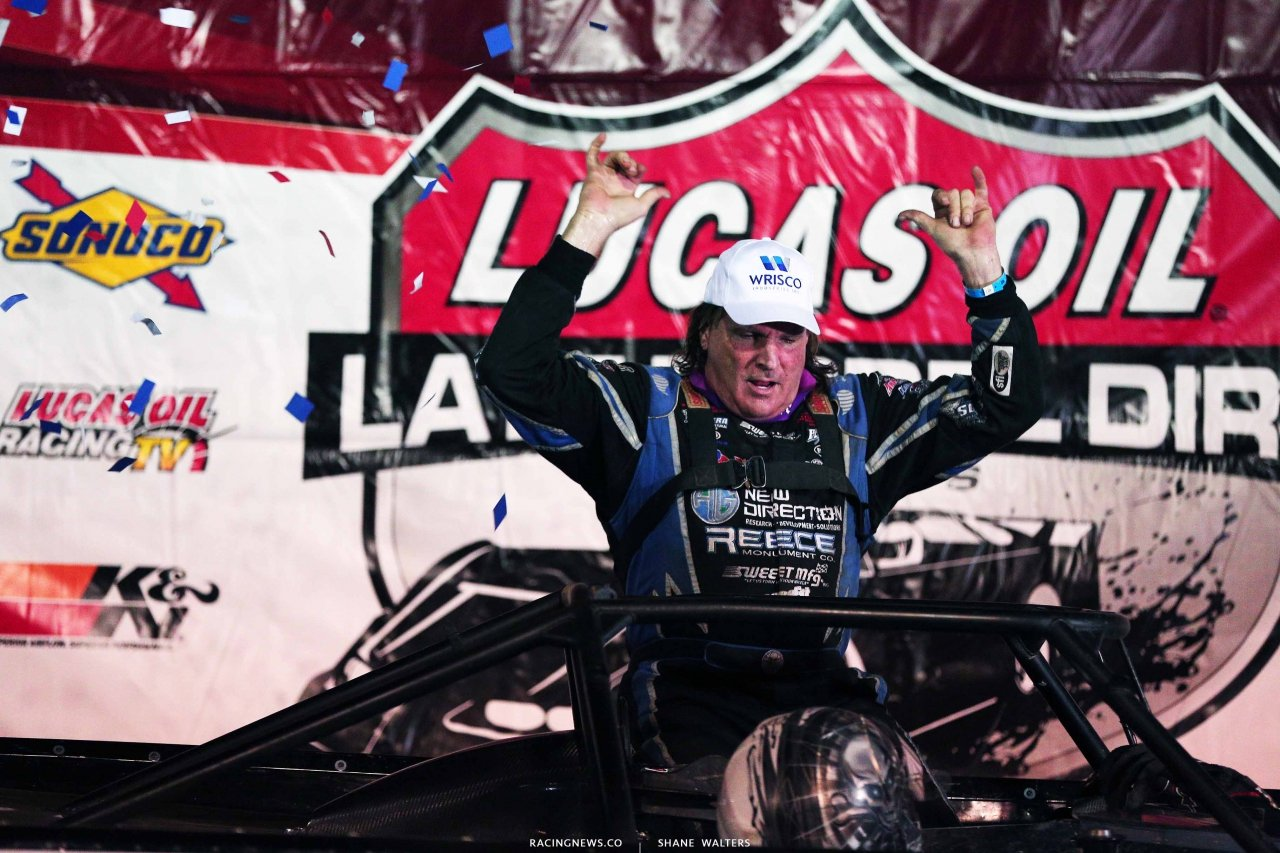 Scott Bloomquist in victory lane at Batesville Motor Speedway 4755