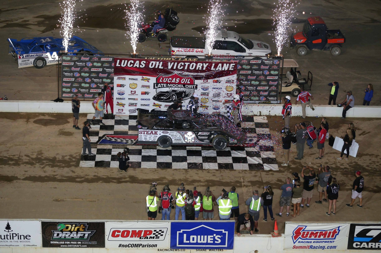 Scott Bloomquist in victory lane at Mansfield Motor Speedway 5191