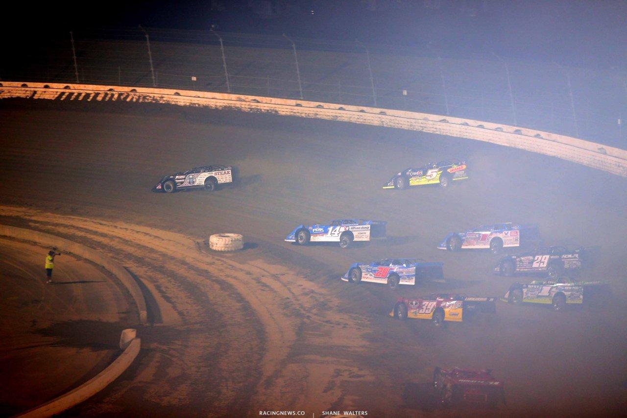 Scott Bloomquist leads at Mansfield Motor Speedway 5062