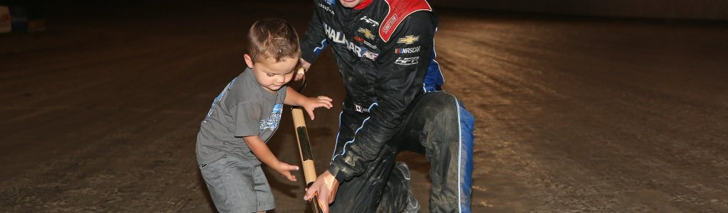 Parker Friesen steals the show with decklid dance in victory lane (Video)