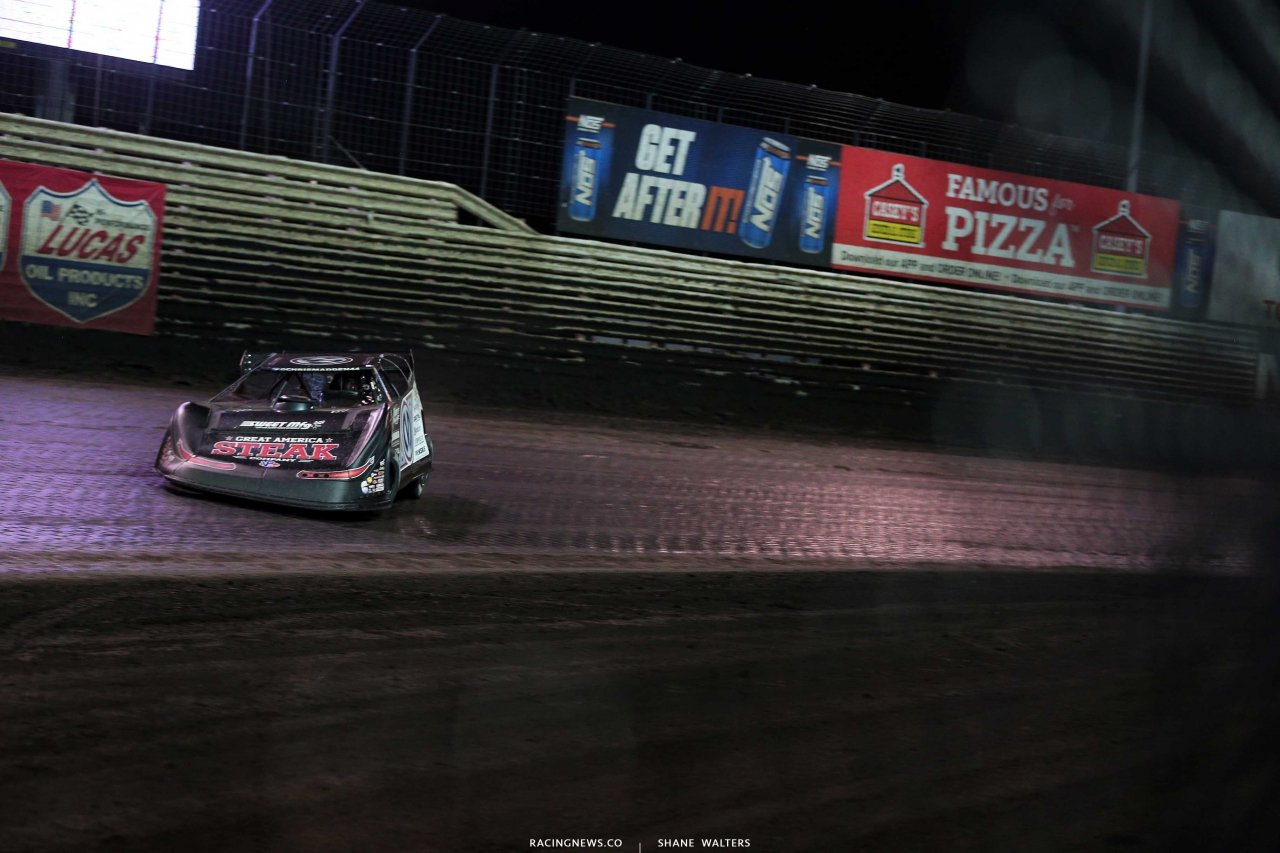 CHris Madden leads at Knoxville Raceway in the Lucas Oil Late Model Nationals 7372