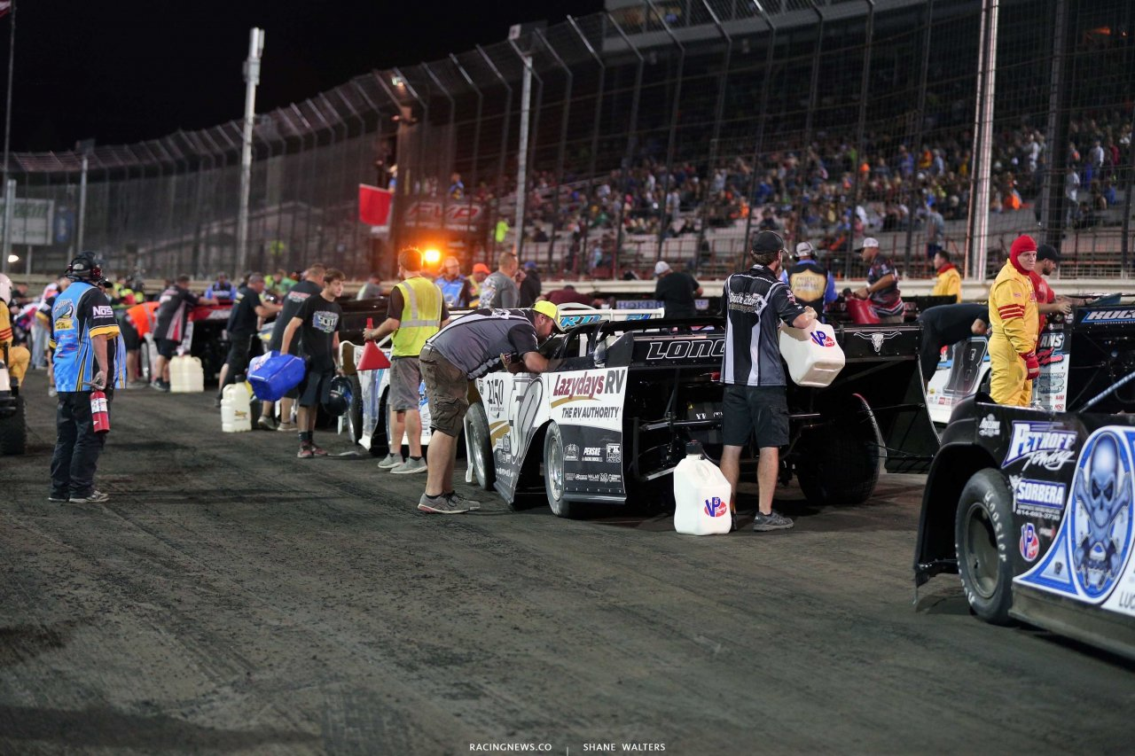 Dirt late model fuel stop at Knoxville Raceway 7292