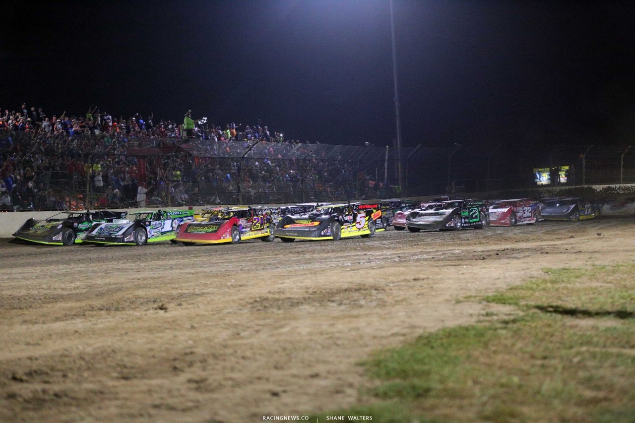 Four wide salute at Kokomo Speedway - Lucas Oil Late Model Dirt Series 7542
