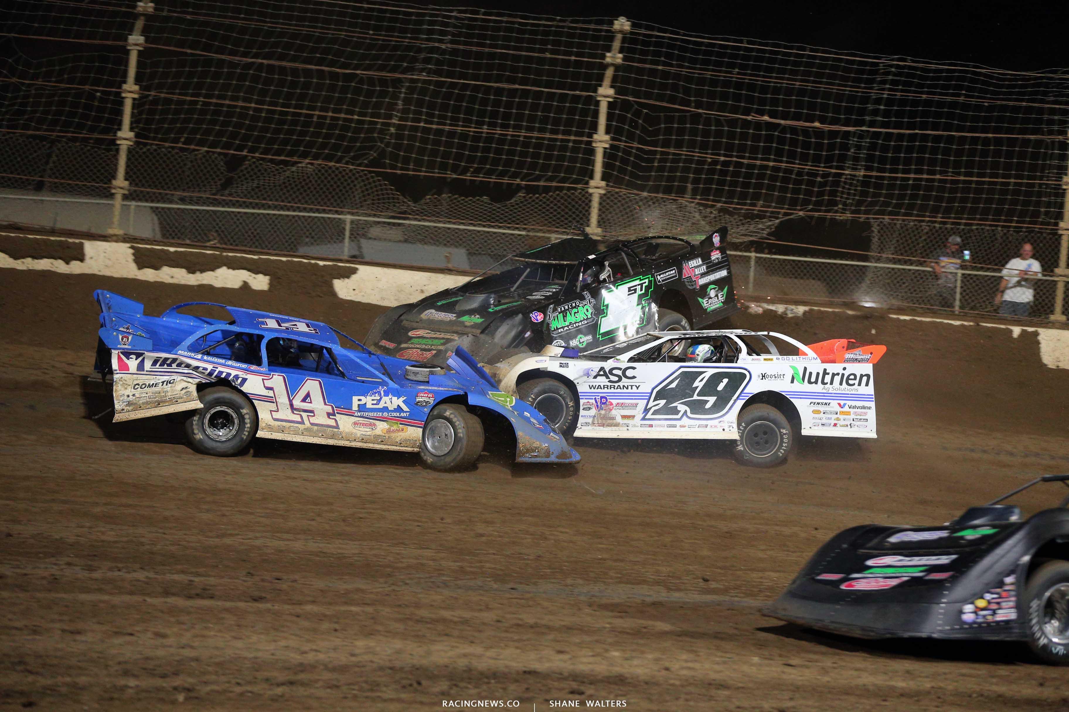 Josh Richards, Jonathan Davenport crash at Kokomo Speedway 7670