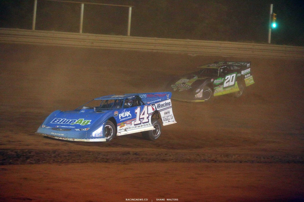 Josh Richards leads Jimmy Owens at Tyler County Speedway - LOLMDS 6628