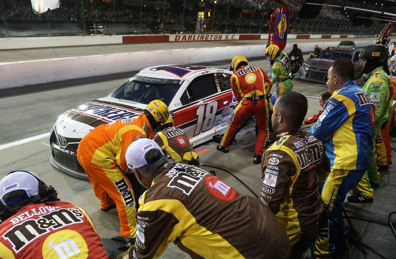 Kyle Busch at Darlington Raceway - NASCAR pit stop