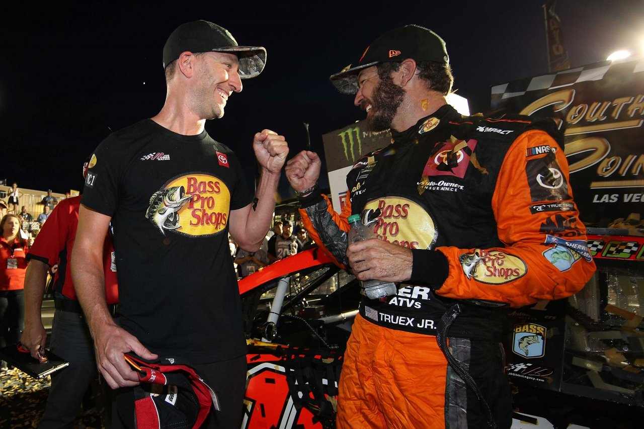 Martin Truex Jr and Cole Pearn in victory lane at Las Vegas Motor Speedway