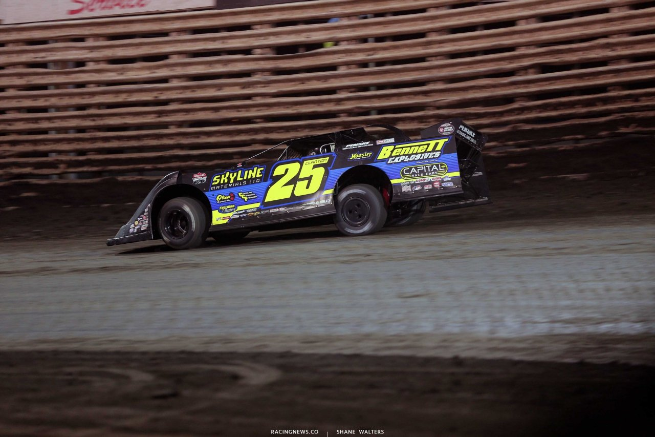 Shane Clanton leads at Knoxville Raceway - Skyline Motorsports 7076